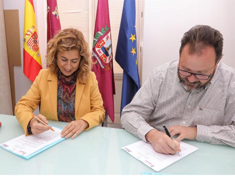 La ADLE firma un convenio para la Inserción Laboral